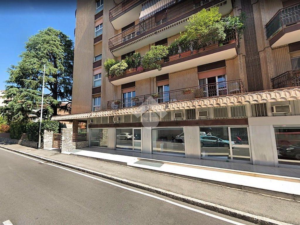 Annuncio Negozio in affitto, Bergamo. € 850 / mese, 130 Mq ...