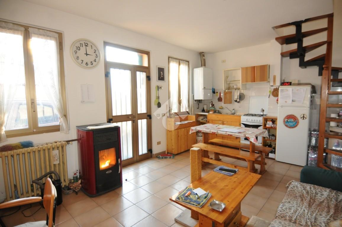 casa semindipendente Via Plazza, Predore - Rustici ...