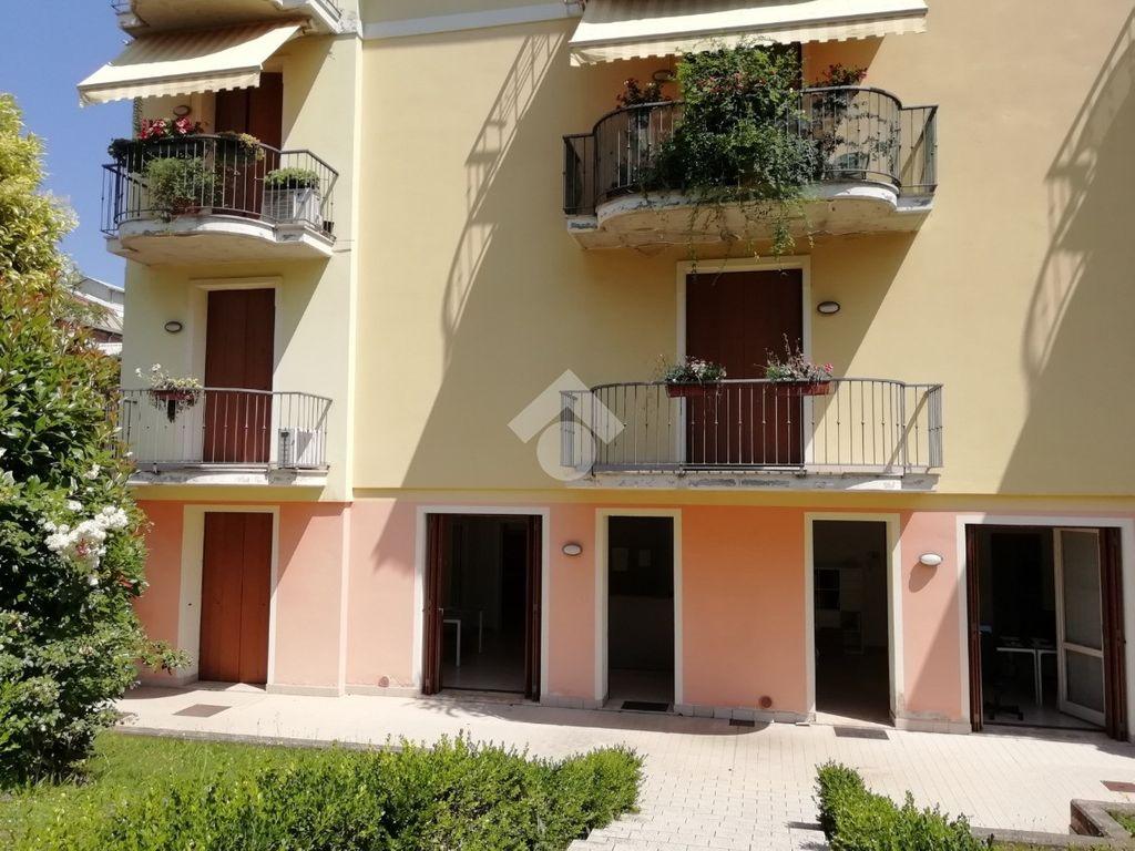 Annuncio Ufficio in affitto, Brescia. € 650 / mese, 100 Mq ...