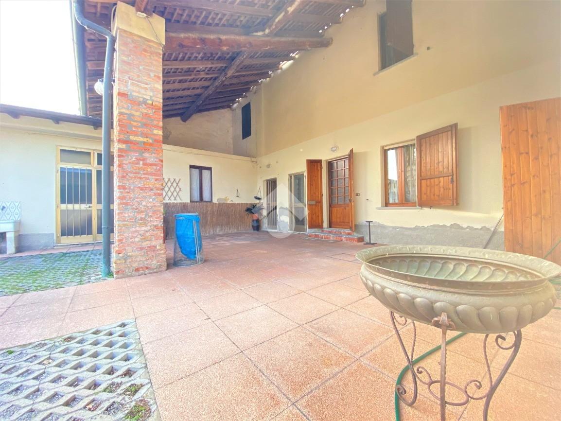 casa indipendente via adamello, Crema - Rustici / cascine..