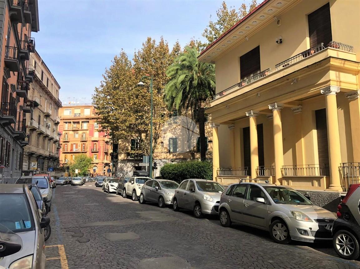 ufficio Via Aniello Falcone, Napoli - Ufficio in vendita ...