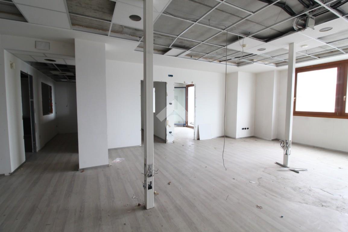 ufficio Viale dell' Industria, Padova - Ufficio in vendita ...