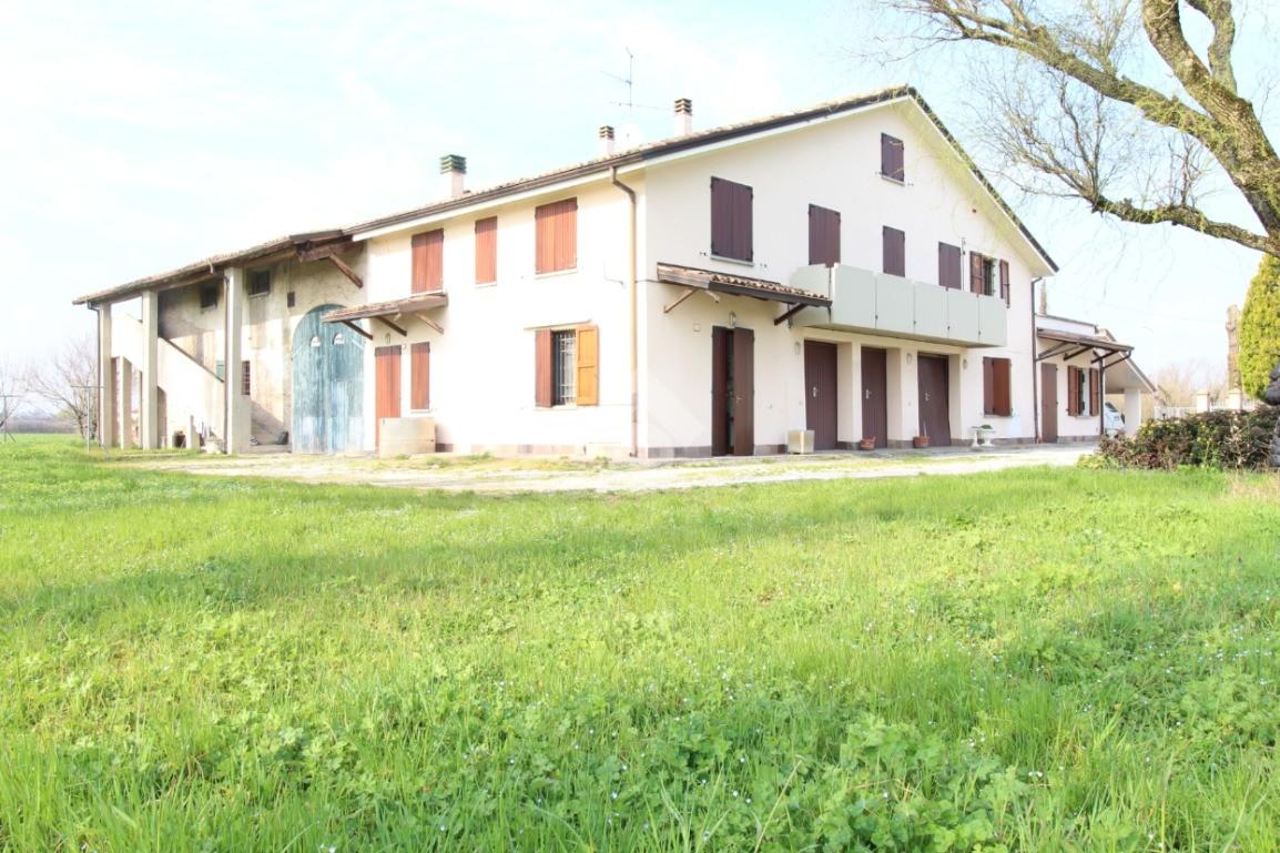 Annuncio Appartamenti in vendita a Bagnolo In Piano ...